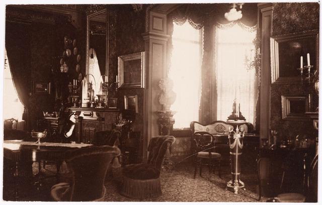 033278 - Salon in villa Tivoli.