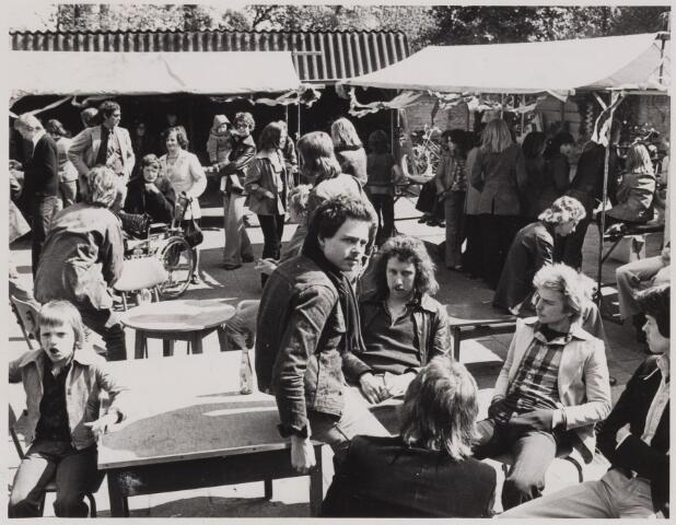 085179 - Dongen. Vlaamse kermis tijdens bevrijdingsfeesten. 30 jaar bevrijding