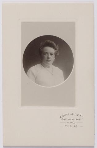 044224 - Maria Joanna Josephina de Beer (1877-1968) gehuwd met Auguste M.J.H.R. de Steenhuyzen Piters.