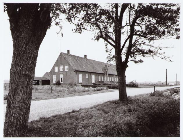 062445 - Landbouw. Boerderij aan de Berkelseweg, thans clubhuis van voetbalvereniging Jong Brabant