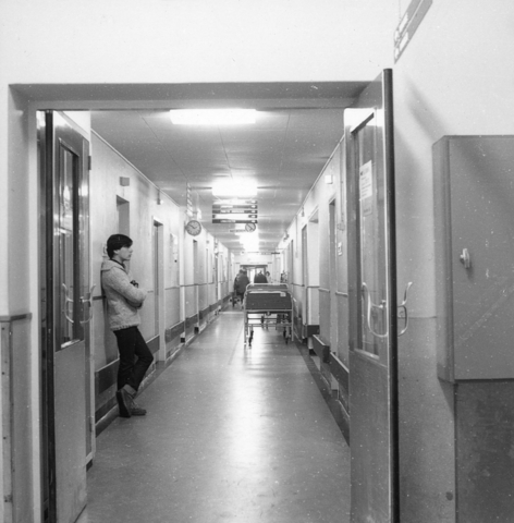 655817 - Elizabeth Ziekenhuis locatie Jan van Beverwijckstraat Tilburg in 1981.