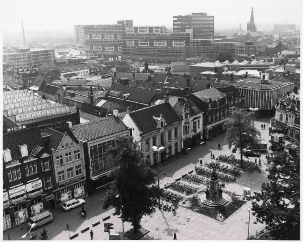 036406 - Panorama van Tilburg vanaf de toren van de Heuvelse kerk;