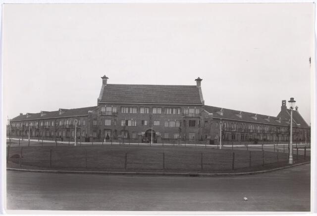 016778 - Mariëngaarde. Bejaardenzorg. Pension Mariëngaarde in gebruik genomen 26 juni 1935.
