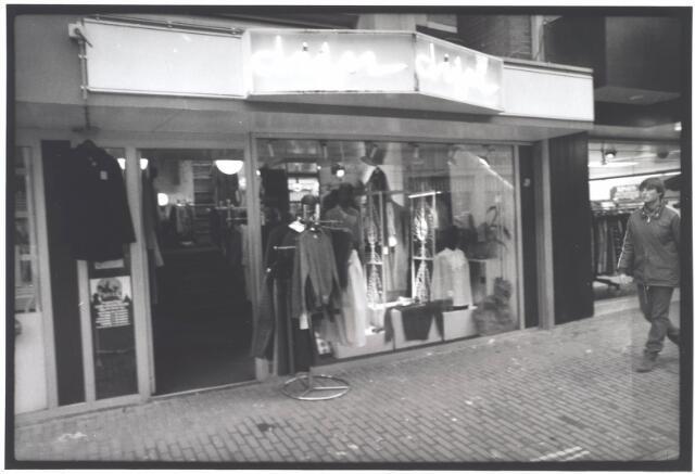 021989 - Modezaak Dijn in de Heuvelstraat