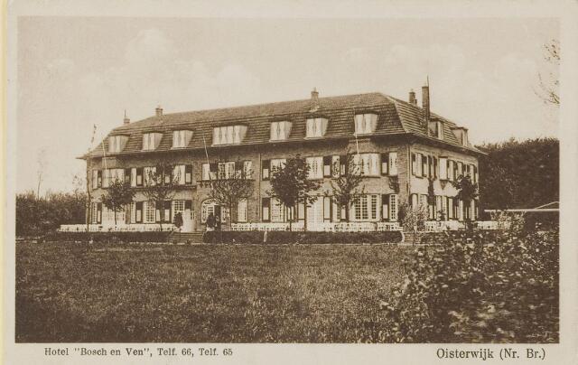 """074156 - Vanuit de overzijde van het Klompven het imposante hotel """"Bosch en Ven"""" (Bos en Ven)."""