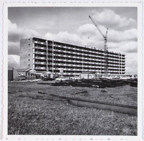028354 - De Heboma Flats aan de Perosistraat