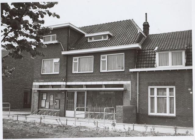 025757 - Pand Leharstraat 77 (voorheen Moleneind) waarin het jongerencentrum Vikon is gevestigd