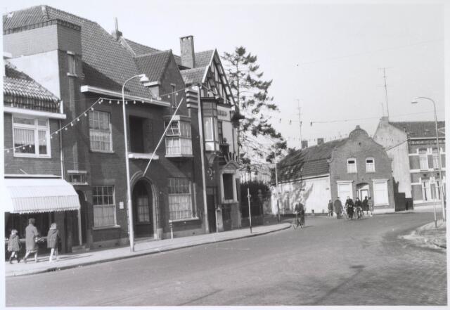 024500 - Driesprong Korvelplein (voorgrond) - Diepenstraat (links) en Korvelseweg (rechts) medio 1963