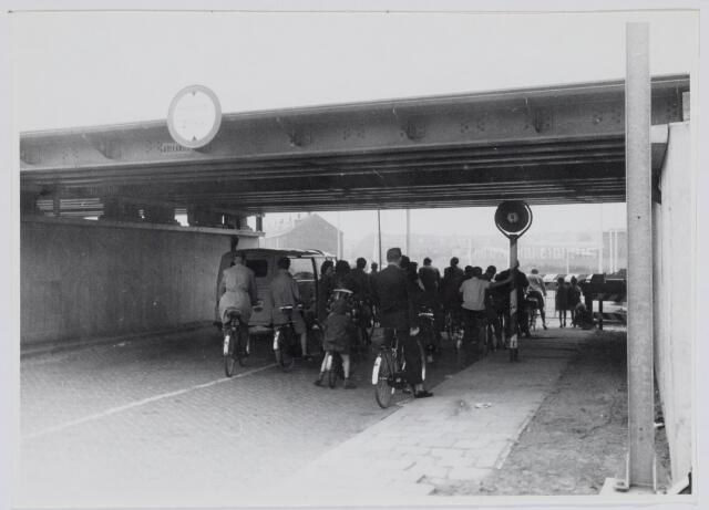 037160 - Spoorwegen: viaduct Ceciliastraat
