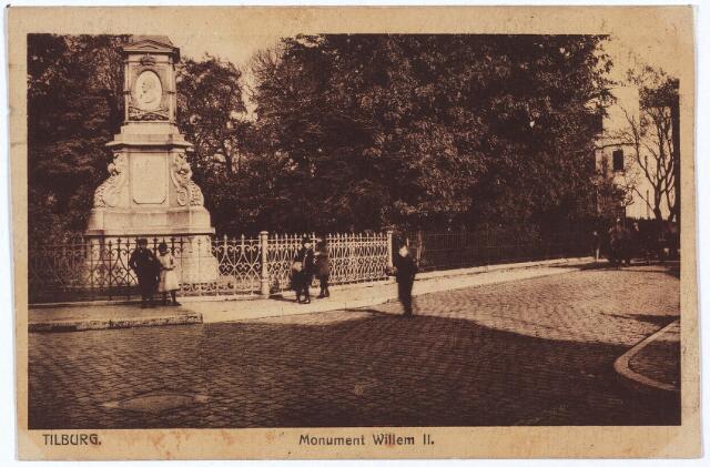 002527 - Gedenknaald voor koning Willem II op de hoek Monumentstraat-Paleisstraat.