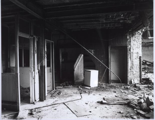 025516 - Interieur van de voormalige wijnhandel Verbunt aan de Langestraat ten tijde van de sloop begin 1978