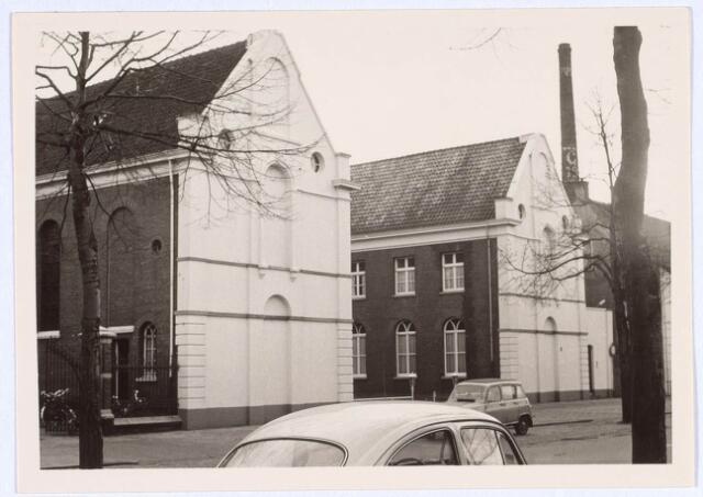 019144 - Huize Goirke, voorheen Huize St. Ignatius, aan de Goirkestraat. De schoorsteen op de achtergrond behoort bij wollenstoffenfabriek George Dröge