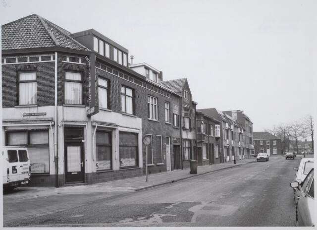 026602 - Molenstraat gezien in de richting van het Rosmolenplein. Links de Kardinaal van Rossumstraat