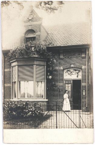 007709 - Mevrouw Ritzen ± 1914.