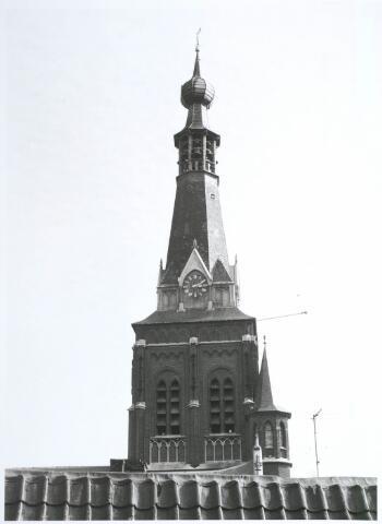 027744 - Dak van achterbouw Oude Markt 10, met Heikese Kerk.