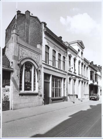 026930 - Panden Nieuwstraat 35 , 37, 39 en 41 (van rechts naar links) halverwege 1986