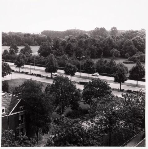 036746 - Panorama van Tilburg vanaf het verpleegtehuis St. Jozefzorg aan de Wethouderslaan
