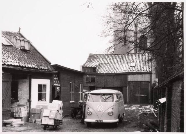 036228 - Stadhuisplein.  Bodehuis Schuurmans aan de Monumentstraat.