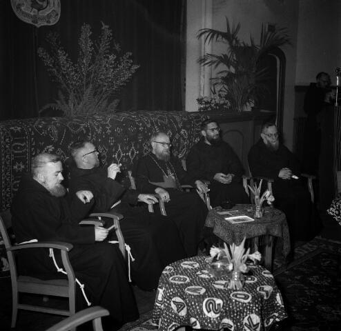 050641 - 25-jarig jubileum mgr. Brans, missiebisschop paters capucijnen.