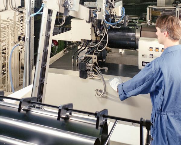 D-000162-1 - Van Doorne's Transmissie, thans Bosch Transmission Technology, aan de Dr. Hub. van Doorneweg, 1988-1991.