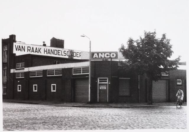 028511 - Bedrijfspand Van Raak van Anco aan de Piushaven nummer 54