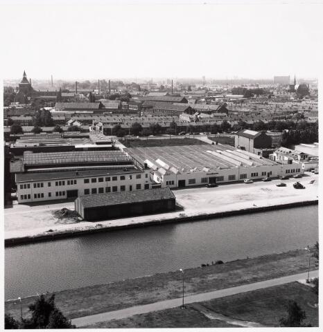 036417 - Panorama van Tilburg vanaf de flat aan de Hoffmannlaan.