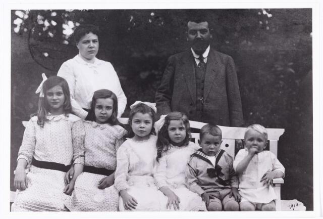 006775 - Het gezin Diepen-Sträter.