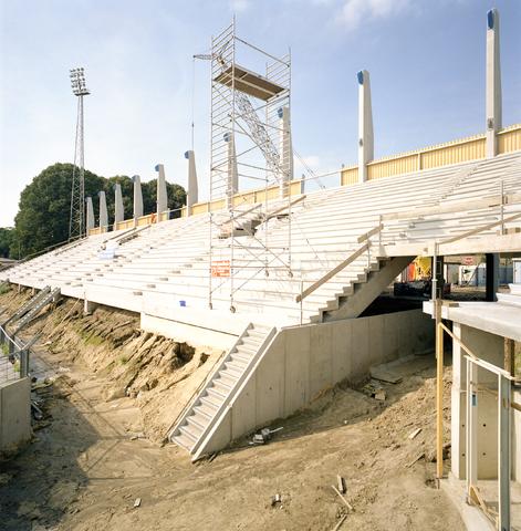 D-001032-1 - Bouw van het nieuwe Willem II stadion  (Architectenbureau Bollen)