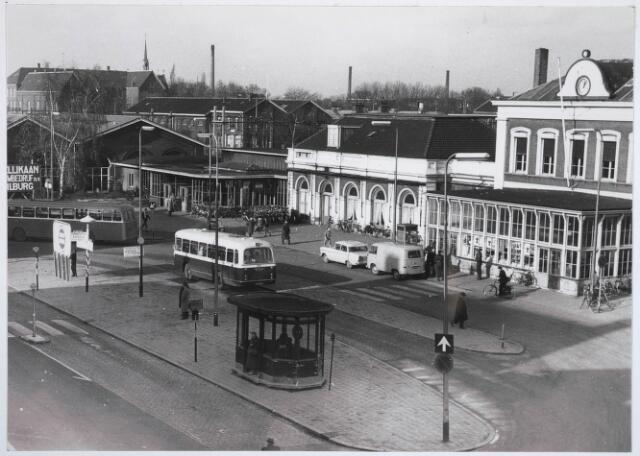031830 - Spoorwegen: Station aan de Spoorlaan