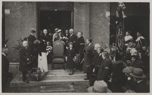 058777 - 25 jarig ambtjulilem van burgemeester D. Smits 1935.