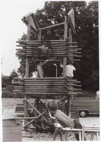 030679 - Sacharias Jansenstraat. Speelplaats door brand vernield 9 augustus 1974.