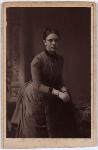 011418 - Marie-Louise Ludovica Antoinette Carolina BOGAERS, geboren te Tilburg op 1 januari 1866, overl. te Nijmegen op 24 januari 1911. Trad in 1888 in de orde du Sacré Coeur. Zie ook foto nr. 11396.