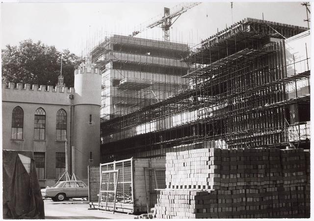 032635 - Nieuwe stadhuis in aanbouw. Stadhuisplein