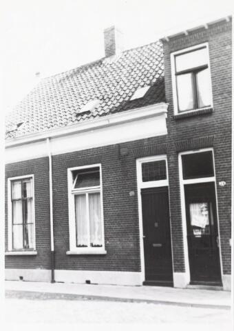 033842 - Voorgevel van het pand Veestraat 72