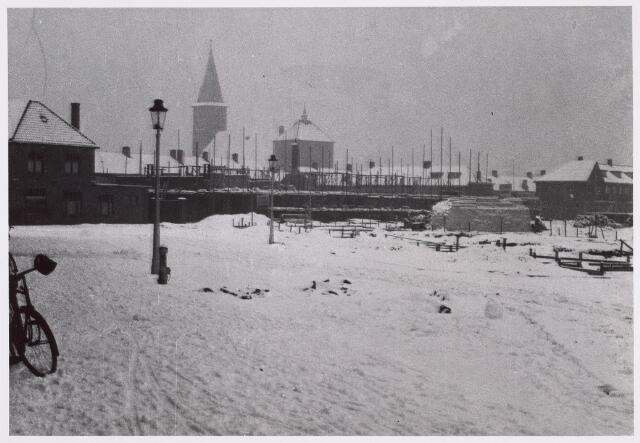 014392 - Armhoefstraat in aanbouw. Foto genomen vanuit de J.P. Coenstraat in de winter van 1933