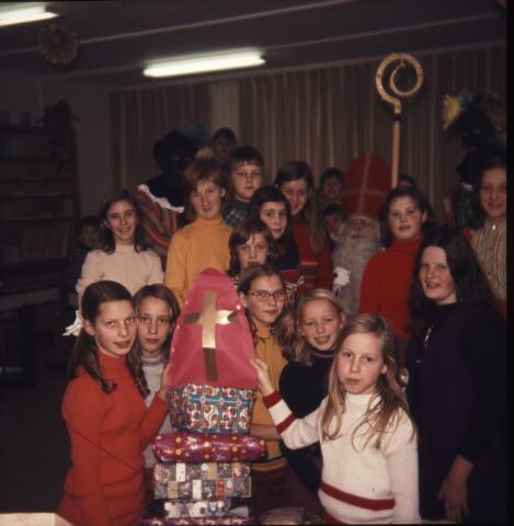 650176 - Gerardus Majellaschool, Hulten. Sinterklaas.