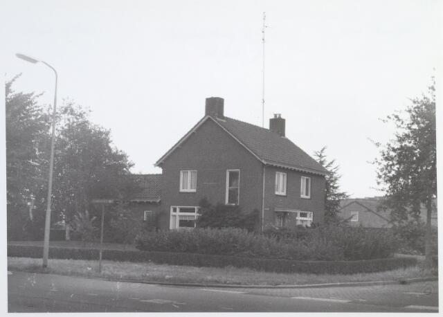 014601 - Pand Berglandweg 2 gezien vanaf de Hilvarenbeekseweg