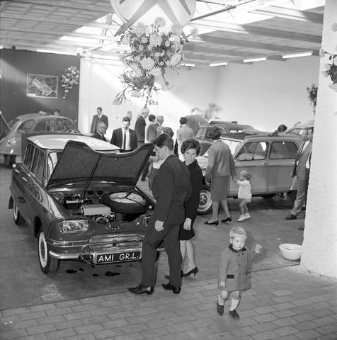D-001880-1 - Automobielbedrijf A. van der Schoot. Garage aan de Veldhovenring 69.