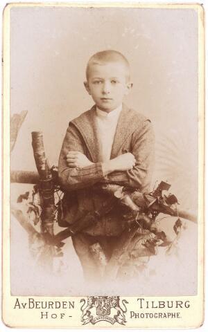 003571 - Carolus Josephus Maria (Karel) Berghegge, geboren op 9 maart 1885 Tilburg, overleden te Brussel, begraven op 24 april 1965 te Goirle, zoon van Josephine Maria Margaretha Houben (1853-1920) en Johannes Antonius Berghegge (1850-1922)