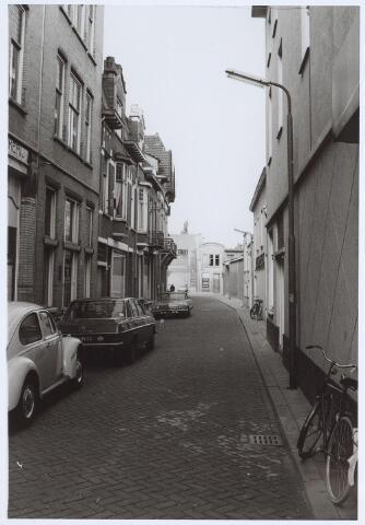025580 - Langestraat gezien vanuit de Heuvelstraat