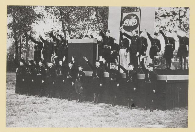 077297 - Arnold Meyer leider zwart front1934 -1941. Landdag1937.  Terrein naast Weyenberg (gemullehoekenweg).  Stormcommandanten Zwart Front.