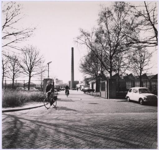 024804 - Textiel. Gedeelte van het complex van wollenstoffenfabriek C. Mommers & Co. aan de Kraaivenstraat  (foto gemaakt in periode 1972-1980)