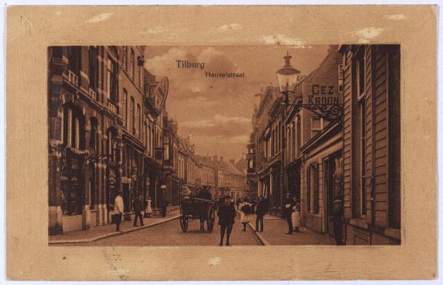001096 - Heuvelstraat tussen Heuvel en Willem II-straat. richting Heuvel. Midden in de straat een kar van de firma M. Maas.