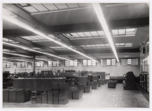 037739 - Textielindustrie.  Inslagspoelerij van de firma H. F. C. Enneking
