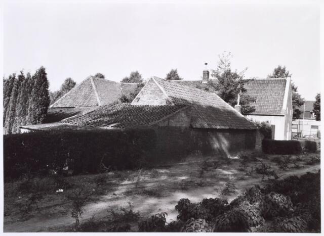 018811 - Achterzijde van een boerderij aan de Generaal Winkelmanstraat
