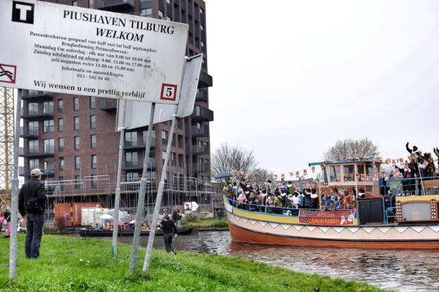651113 - Intocht Sinterklaas 2012, Piushaven, Tilburg