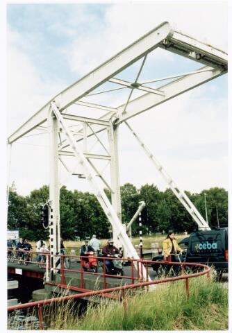 039891 - Ophaalbrug over het Wilhelminakanaal ter hoogte van de dr. Deelenlaan.