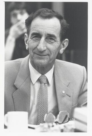91001 - Made en Drimmelen. Raadslid J.P. van Beek (Combinatie ´74) tijdens de raadsperiode 1986 - 1990