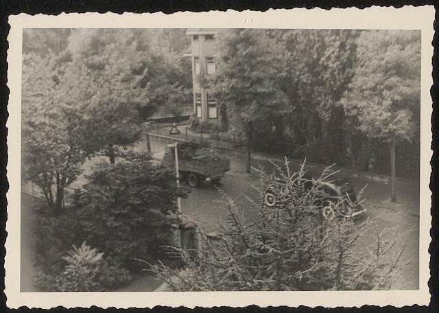 """603925 - WO2 ; WOII ; """"Opa's auto is gevonden en wordt door de Duitsers meegenomen."""" Tweede wereldoorlog."""