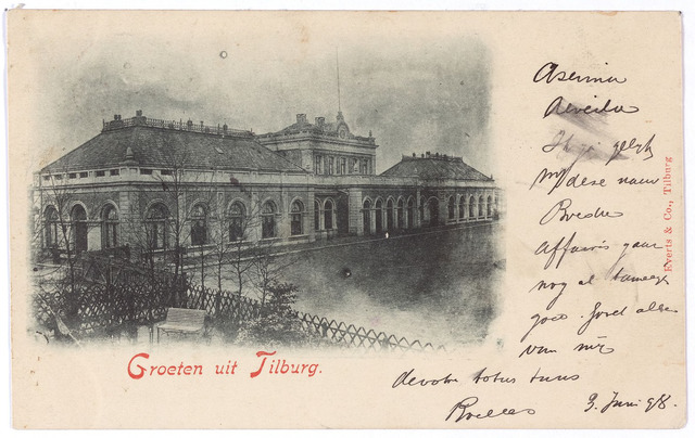 002268 - Station aan de Spoorlaan gebouwd in 1863. In de loop van de jaren kreeg het station verbinding met steeds meer steden.  Daarom kwamen er in Tilburg treinen aan van zowel de Staatsspoorwegen als de Maatschappij Zuid-Oosterspoorweg. In 1881 besliste de minister van waterstaat dat de diensten van zowel De Staatsspoorwegen als de Zuid-Oosterspoorweg vanuit één en hetzelfde station moesten worden geregeld. In mei 1882 werd bekend gemaakt dat zowel treinen van de Staatsspoorwegen als van de Zuid-Oosterspoorweg op het station aan de Spoorlaan zouden aankomen en vertrekken. De treinkaartjes waren voor de treinen van beide maatschappijen geldig.